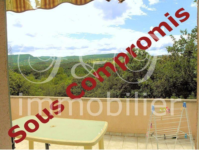 Villa in Apt with view over the Luberon