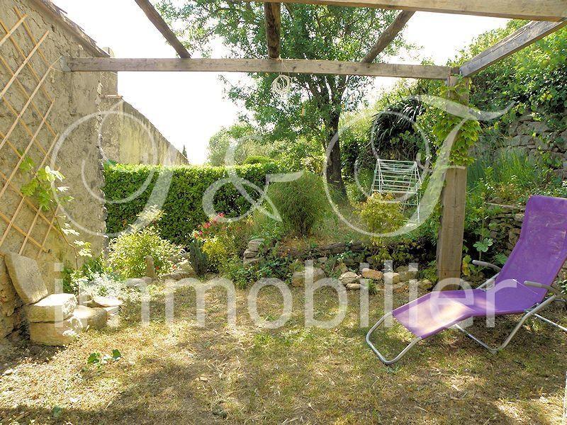 vente maison de hameau avec petit jardin en luberon immobilier luberon provence. Black Bedroom Furniture Sets. Home Design Ideas