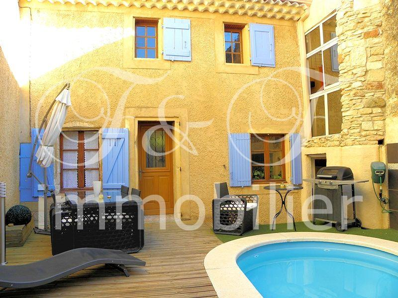 Village house with courtyard in the Luberon