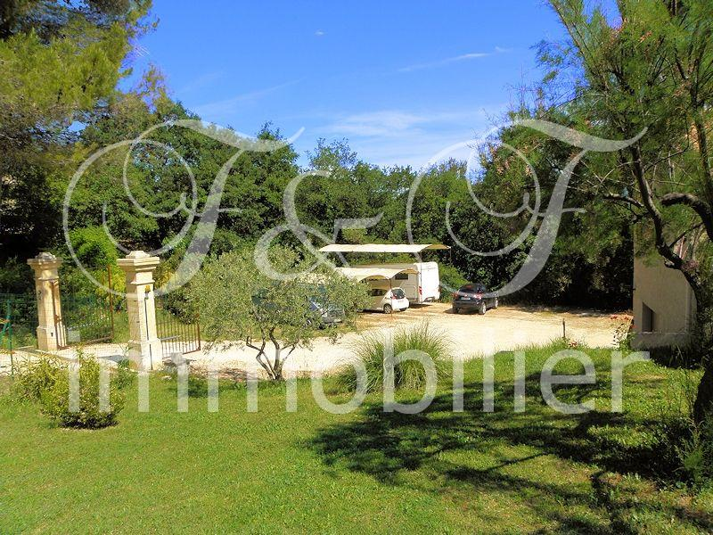 Vente villa avec piscine en luberon provence for Piscine en provence