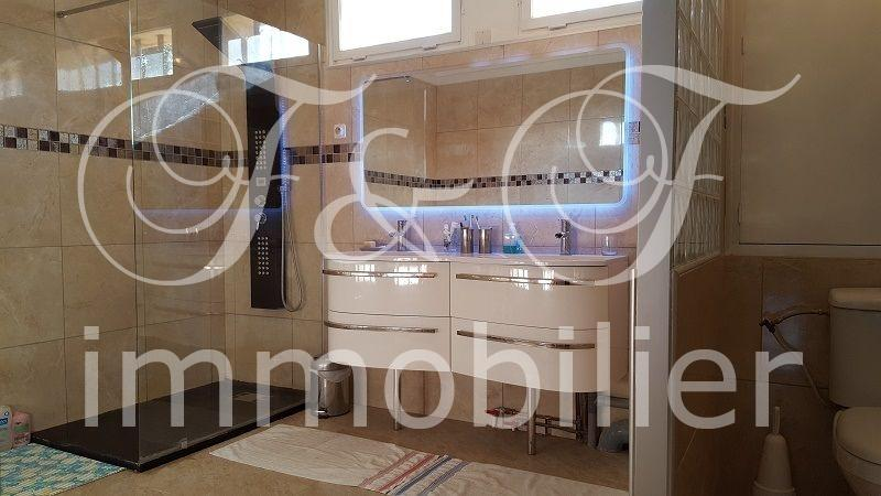 Large Property in Apt - Luberon Provence
