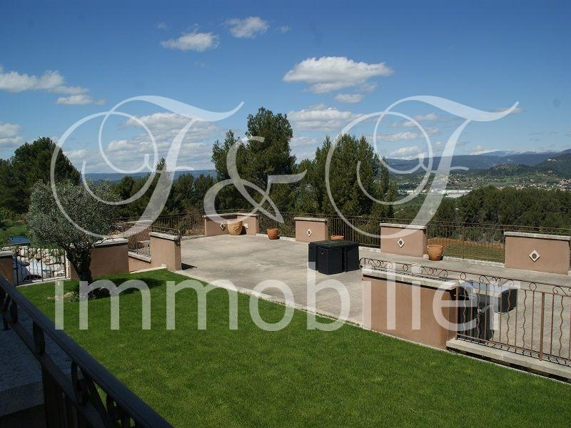 Contemporary property with panoramic views - Luberon Provence