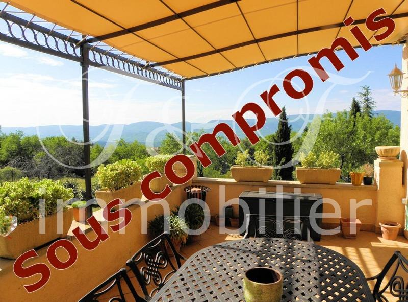 Villa with superb views over the Luberon
