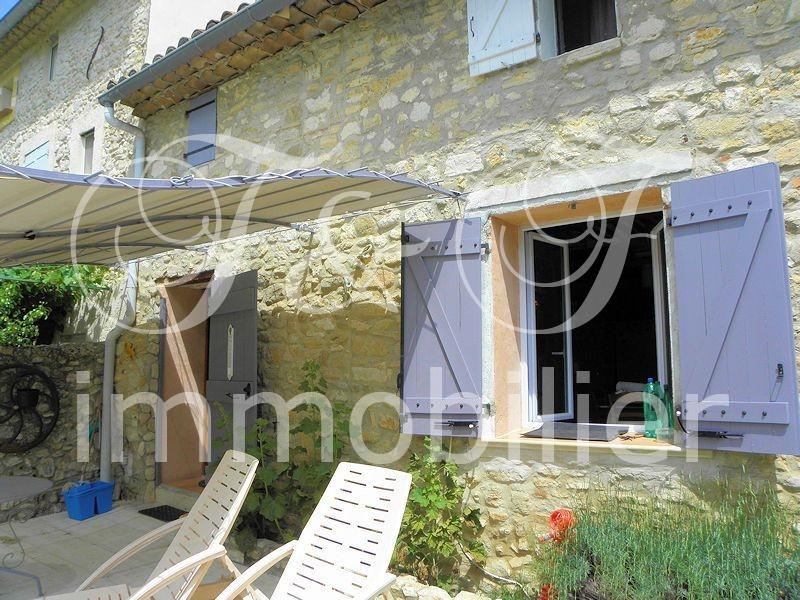 Village house with terrace in the Luberon