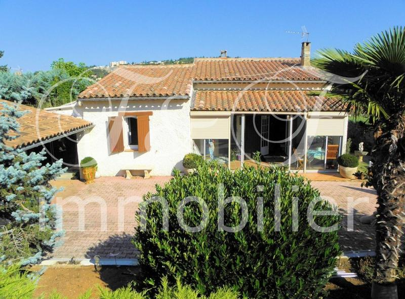 Single storey house in Apt in the Luberon