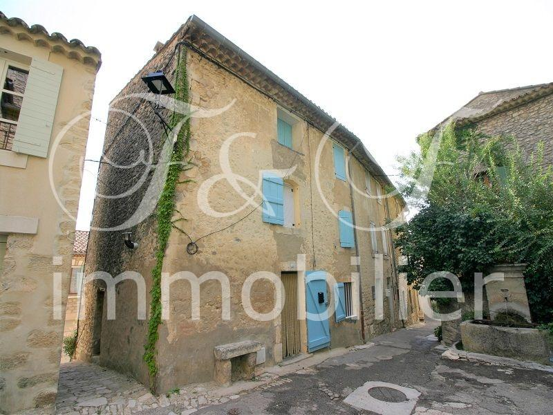 Village house with views in the Luberon