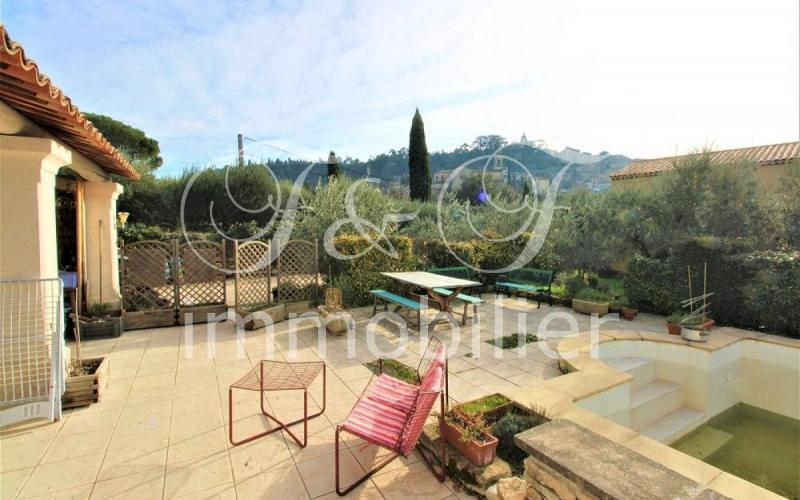 Large villa with pool in Bonnieux