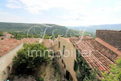 Large charming village house in the Luberon