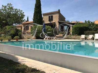 Stone house with pool in Saint Saturnin lès Apt