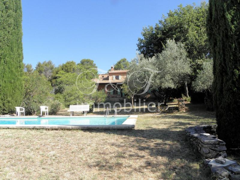 Country house with pool in Roussillon